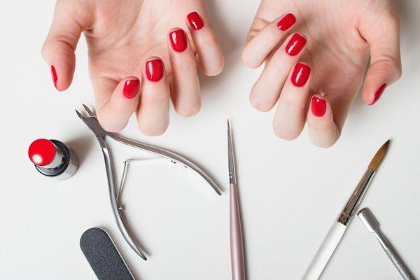 Приметы, связанные с ногтями